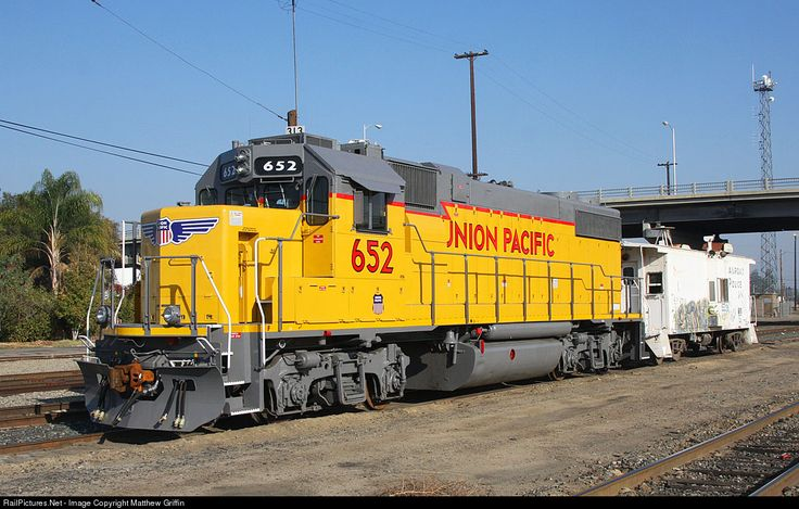 Foto RailPictures.Net: UP GP38N 652 Union Pacific em Bakersfield, Califórnia por Matthew Griffin --- USA