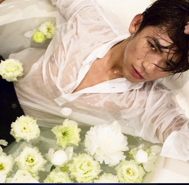 [写真] EXILE NAOTOが濡れたシャツ姿。「エロすぎてなにも手に付かない」女性ファン続出