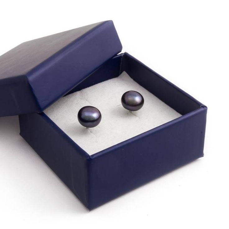 Stijlvolle zilveren parel oorknopjes met blauwe zoetwaterparels van ca. 7 mm koop je bij Aurora Patina, de no. 1 in klassieke sieraden.
