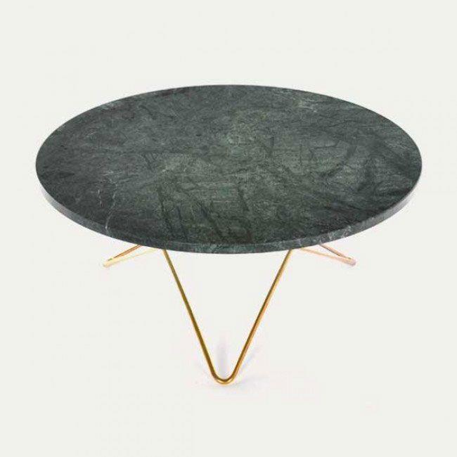 O Table har mange smukke detaljer. O Table har en bordplade i marmor der fås i forskellige varianter. #sofabord #design #boligindretning #marmor #oxdesign