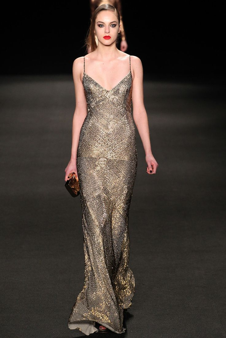 Monique Lhuillier - Fall 2015 Ready-to-Wear - Look 27 of 37