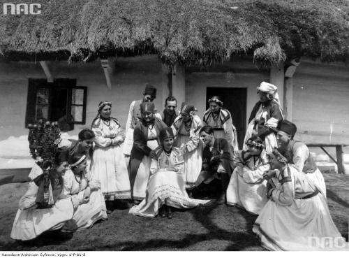 "Bronowice village, Kraków. Regional theatre performing the ""Sandomierzan Wedding"" play (1930)."