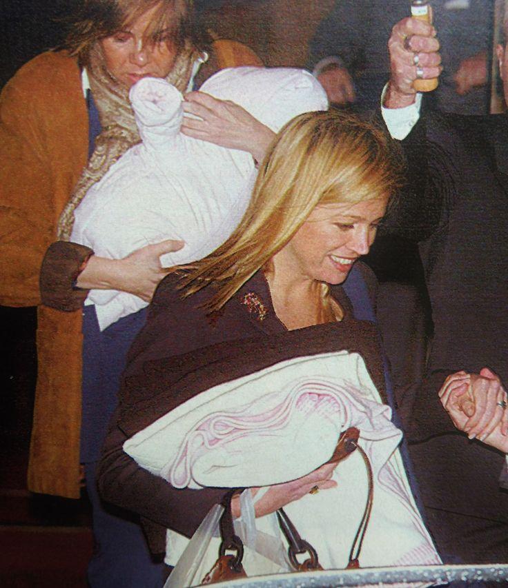 met 1,5 maand oude Amalia op de verjaardag van Beatrix