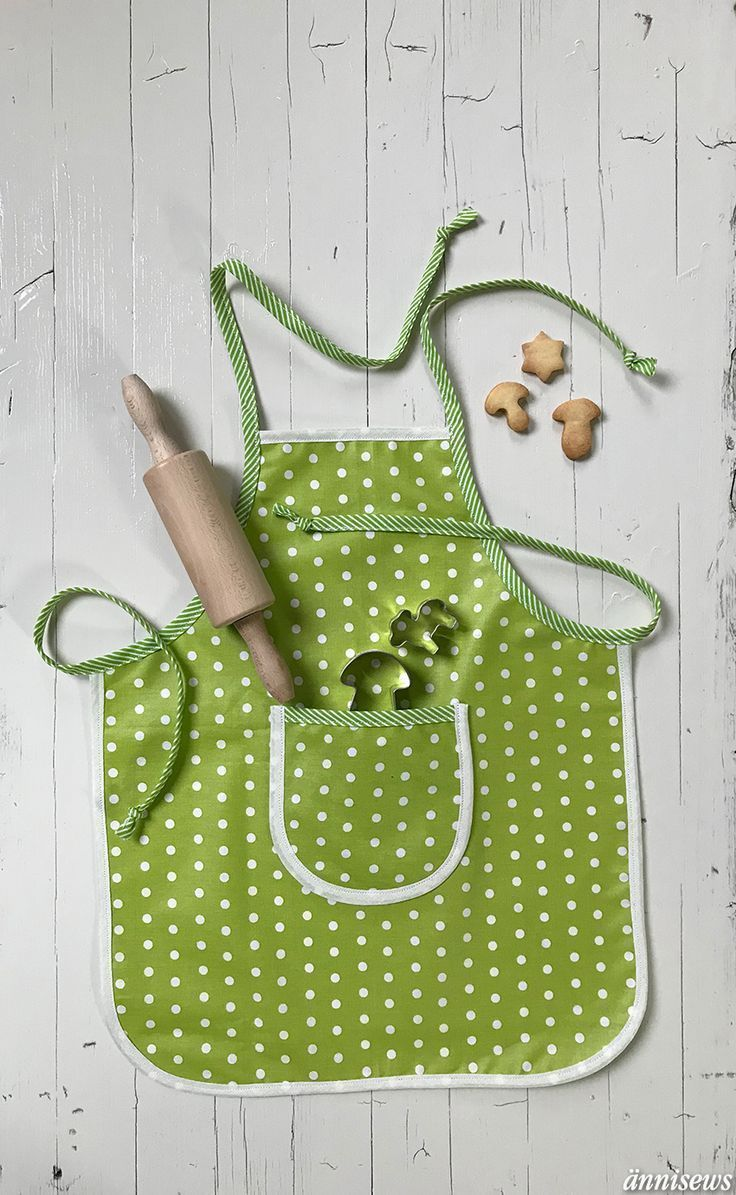 Children's apron to Freebook, quickly sewn, suitable for beginners // Flatlay   – Fotografie // Flatlays