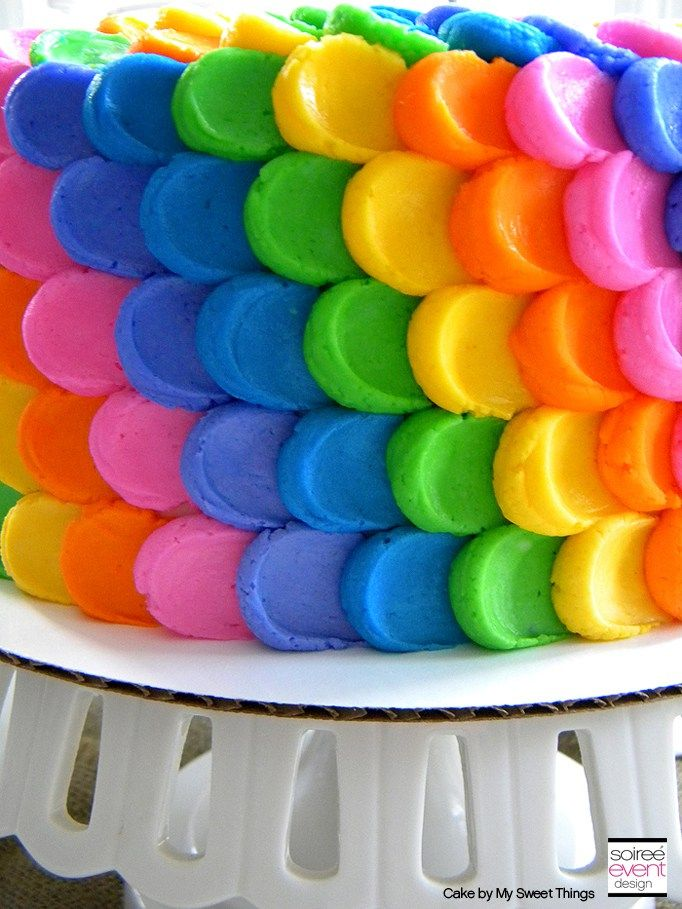 Best 25 rainbow petal cake ideas on pinterest rainbow for Rainbow petals
