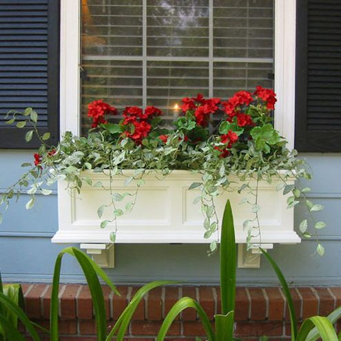 window planter boxes - Red  http://housesae.com/window-planter-box-with-new-ideas/#