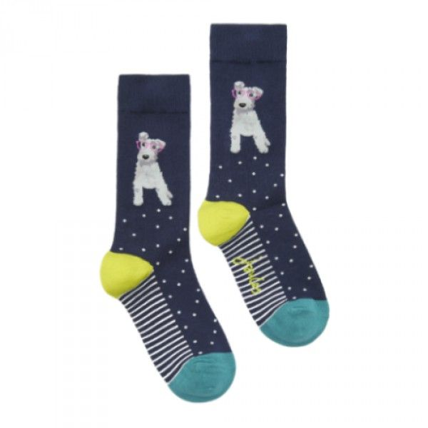 The perfect gift for dog lovers (or gift for yourself!). Designer Joules Brilliant Bamboo socks with cute dog design for only £8.95 with free UK delivery. Made from Bamboo, makes them hypoallergenic and thermo regulating. http://www.kindredsole.com/designers/joules-wellies.html