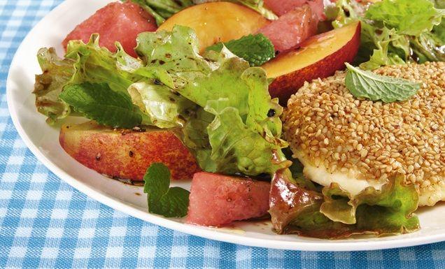 Nektarinen-Salat mit Sesam-Mozzarella Rezept | tegut...