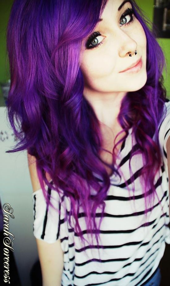 Love the colour of her hair ! Would love this for an under layer and/or a peek-a-boo strip.
