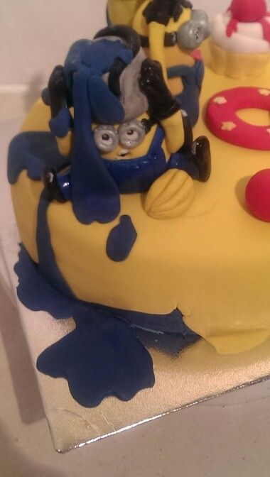 Minion cake topper..by Julue..