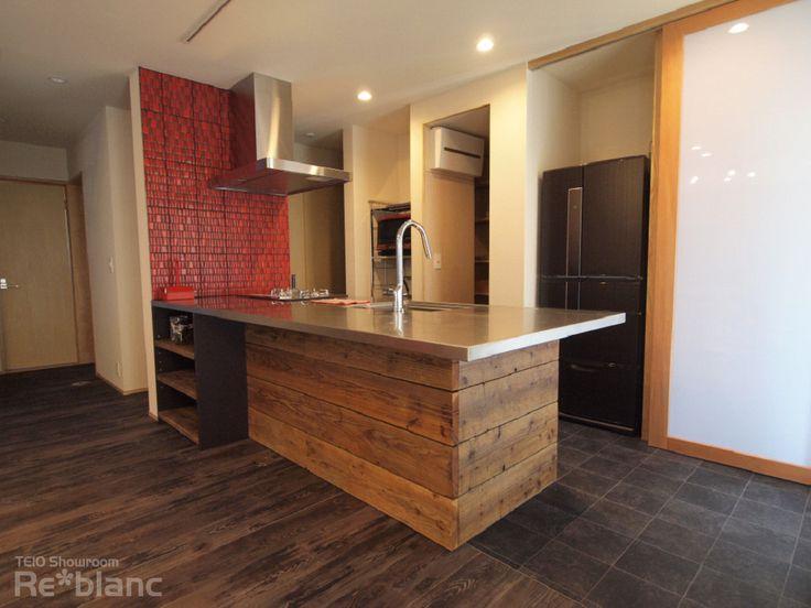 古材とステンレスがマッチした個性的なキッチン[デザインを重視したオーダーメイドキッチン][デザインキッチン] - 静岡県浜松市でオーダーキッチンをお探しなら re*blanc