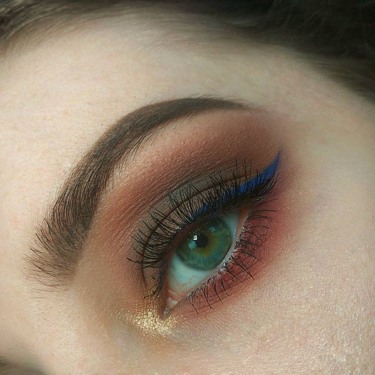 #eyemakeup #makeup #makeuplover #makeupinspo #instamakeup #makeupjunkie #eyeshadows #eyeliner #blue #bronze #gold #glitter #pigment #eyebrow http://ameritrustshield.com/ipost/1552250513156129809/?code=BWKs54XFsQR