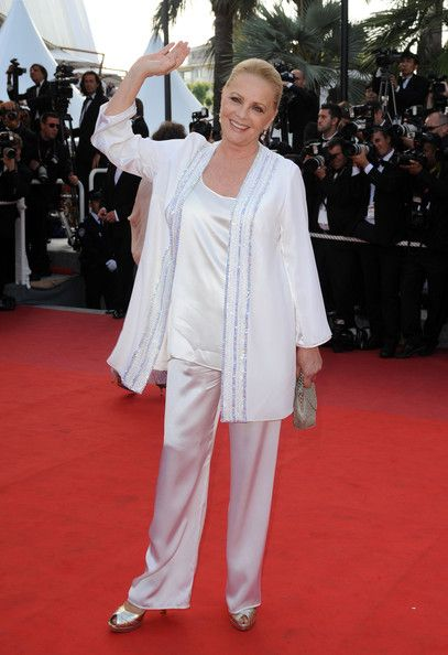 "Virna Lisi - Cannes Film Festival 2009 - ""Inglourious Basterds"" Premiere...  Addio . . ."
