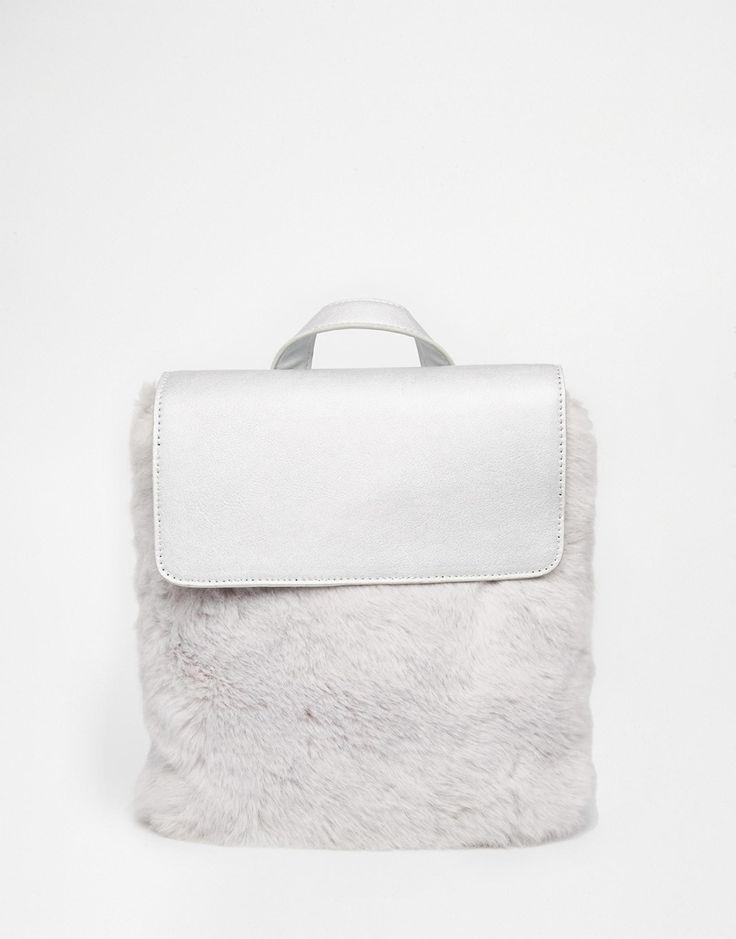 Image 1 - Skinnydip - Sac à dos avec fausse fourrure sur le devant - Argenté