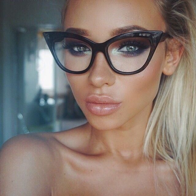 Eyeglass World Designer Frames : 25+ best ideas about Women in glasses on Pinterest Women ...