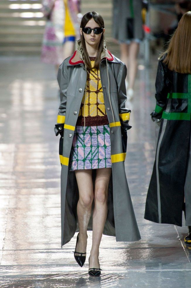 Défilé Miu Miu automne hiver 2014-15 : Ce manteau est tout simplement remarquable ! #PinPFW