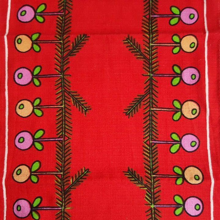 Retro Christmas textile - 1970s. #trendyenser #retro #swedishdesign #christmastablecloth #retrochristmas #retrotextile #1970 #jul #tekstiltryk #retrotekstil #juledug. From www.TRENDYenser.com. SOLGT/SOLD.