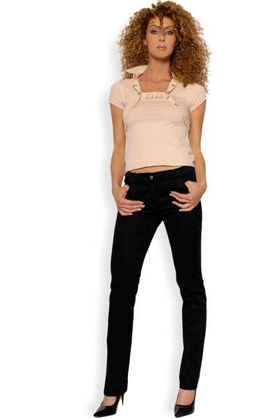 Abbigliamento da Donna  http://www.abbigliamentodadonna.it/pantalone-donna-cotone-p-147.html Cod.Art.000319 - Pantalone da donna in fresco cotone con taglio a sigaretta per un look perfetto e alla moda. Molto indicato l'abbinamento con camicetta oppure t-shirt.
