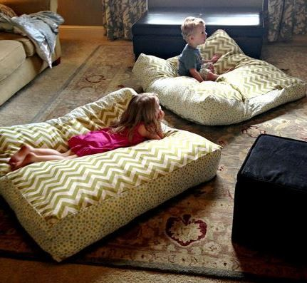DIY Giant Floor Pillows.... I need to invest in a sewing machine! These are…