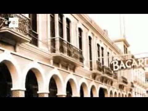 El príncipe Felipe ha recibido esta mañana en audiencia en el Palacio de la Zarzuela a una representación de la empresa de bebidas alcohólicas Bacardí, encabezada por Facundo L. Bacardí, tataranieto del fundador y Presidente del Consejo de administración.
