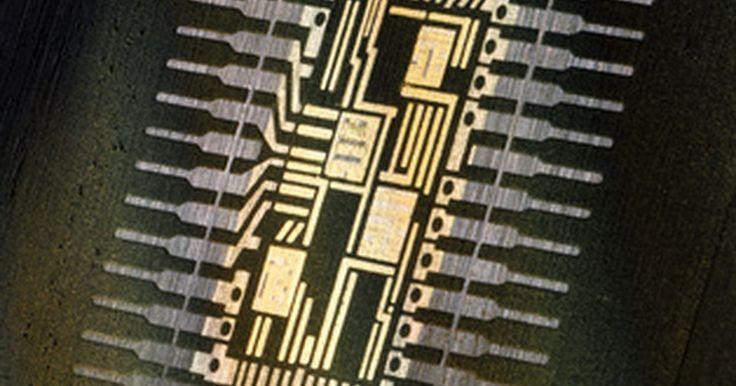 Cómo reiniciar el chip de los cartuchos de tinta usados de Lexmark. Si utilizas cartuchos Lexmark reciclados o rellenados en tu impresora, recibirás un mensaje de advertencia que indica que los niveles de tinta están bajos. La única manera de evitar que aparezca este mensaje es reiniciando el micro chip en el cartucho. Hay dos maneras de hacer esto: o bien comprar un chip resetter universal o comprar uno hecho ...