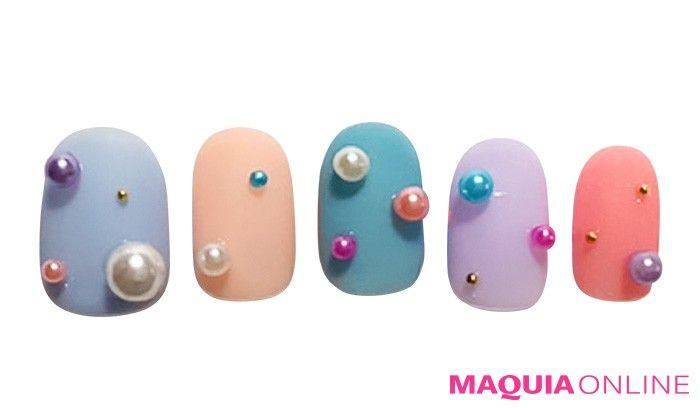 マカロンみたいに甘くてポップな「ドットネイル」 | MAQUIA ONLINE(マキアオンライン)