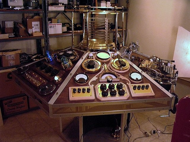 Steampunk Tardis console | Whovian Finds | Pinterest ...