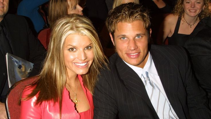 21 Celeb Couples You Were Obsessed With in the 2000s: From Jessica Simpson & Nick Lachey to Jennifer Lopez & Ben Affleck. They didn't last, but they helped define a decade. Check out the throwback 2000s celebrity couples you loved.