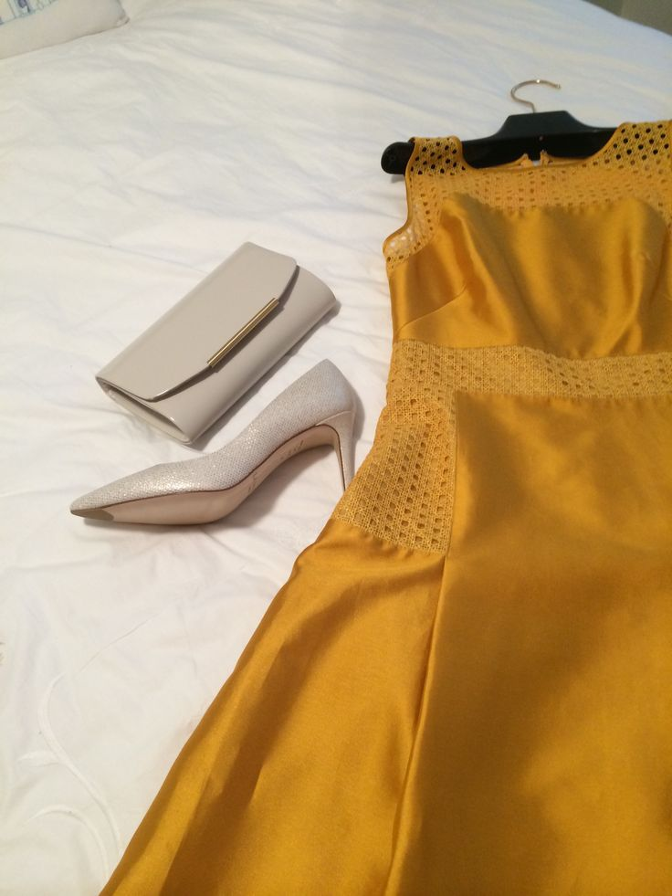 dress, shoe, clutch.