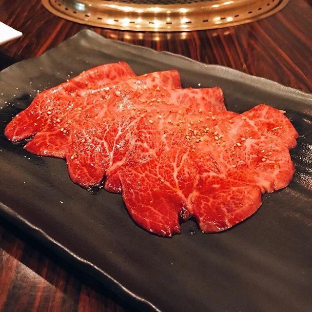 ミスジ・ザブトン 本日こちらの2種ご用意しております。 塩orタレお好きなお味付けで♪  #和牛焼肉KIM#白金高輪 #白金 #焼肉#和牛#山形牛#yakiniku #A5 #wagyu #dinner #tokyo #japan #shirokane #tripadvisor #ubereats #ミスジ #ザブトン #肉 #田村牛 #鳥取