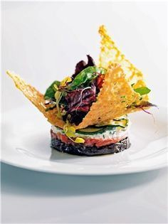 Timbal de verduras con crujiente de queso -- Mujerhoy.com --