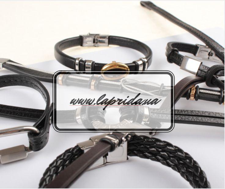 Интернет-магазин La Prida подготовил для ваших покупателей коллекцию брутальных браслетов для настоящих мужчин. Натуральная кожа, оригинальные вставки из высококачественного нержавеющего металла, стильный и современный дизайн каждого аксессуара не оставят равнодушными представителей сильного пола!