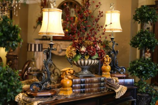 beautiful!: Vignettes, Lamps, Tuscan Decor, Living Room, Silk Floral Arrangements, Design, Tuscan Style, Lamp Books