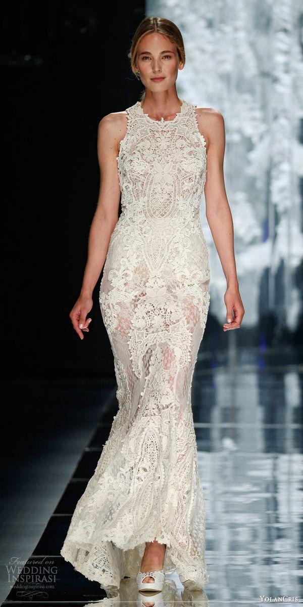 This lace sheath dress is fulfilling all of our wedding dress fantasies! Dress: YolanCris via Wedding Inspirasi