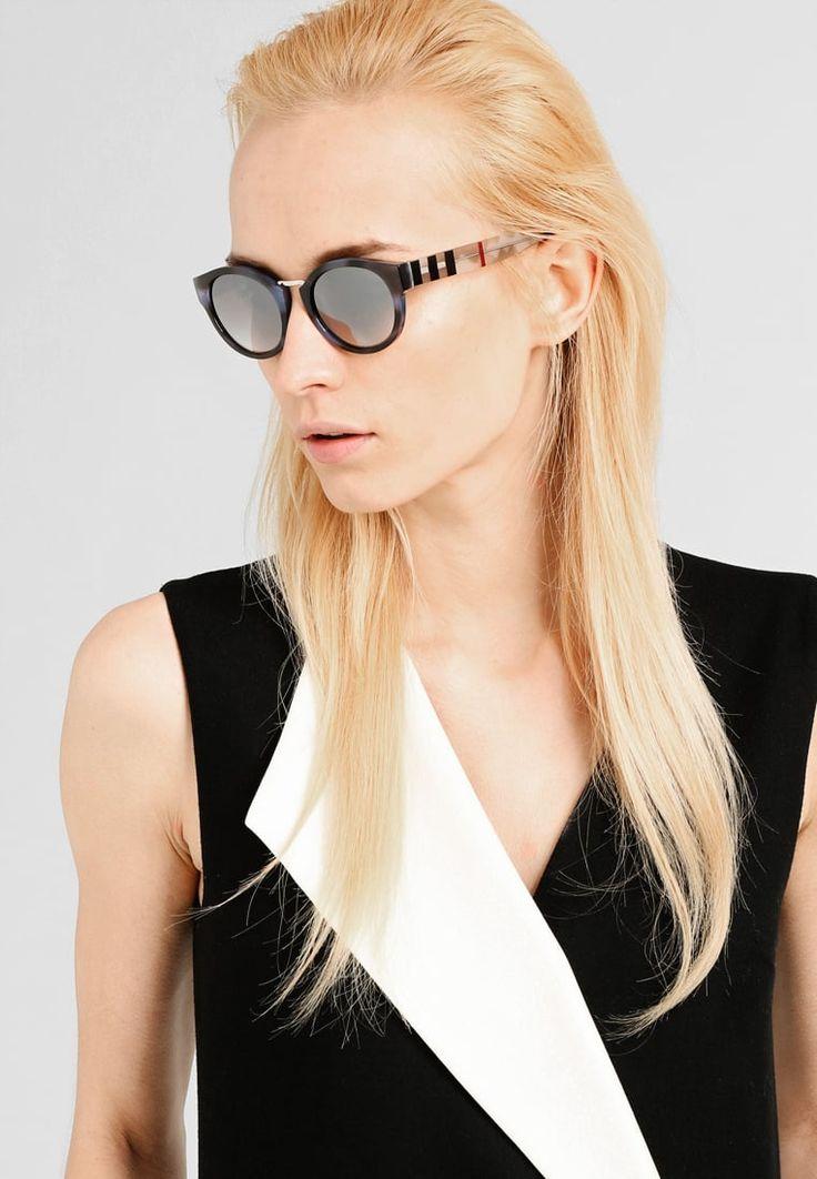 ¡Consigue este tipo de gafas de sol de Burberry ahora! Haz clic para ver los detalles. Envíos gratis a toda España. Burberry Gafas de sol blue: Burberry Gafas de sol blue Premium   | Premium ¡Haz tu pedido   y disfruta de gastos de enví-o gratuitos! (gafas de sol, gafa de sol, sun, sunglasses, sonnenbrille, lentes de sol, lunettes de soleil, occhiali da sole, sol)
