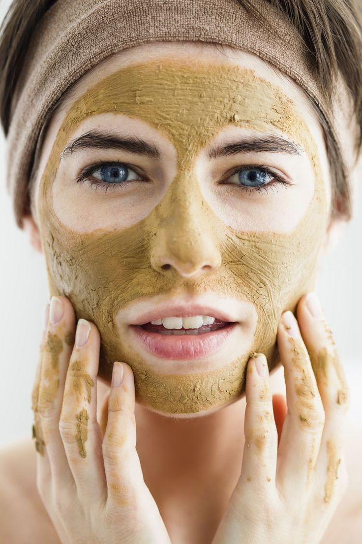 Fix Your Dry Skin With These Moisturizing DIY Face Masks and Scrubs