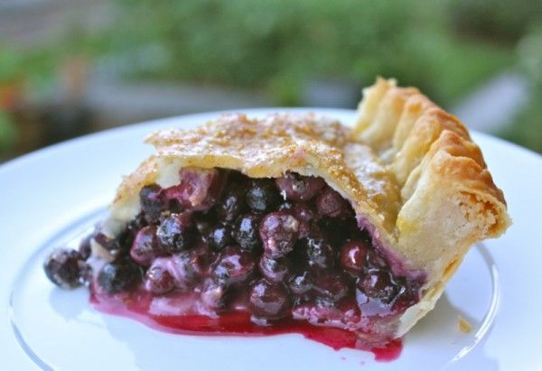 Tangy, juicy, awesome Saskatoon berry pie
