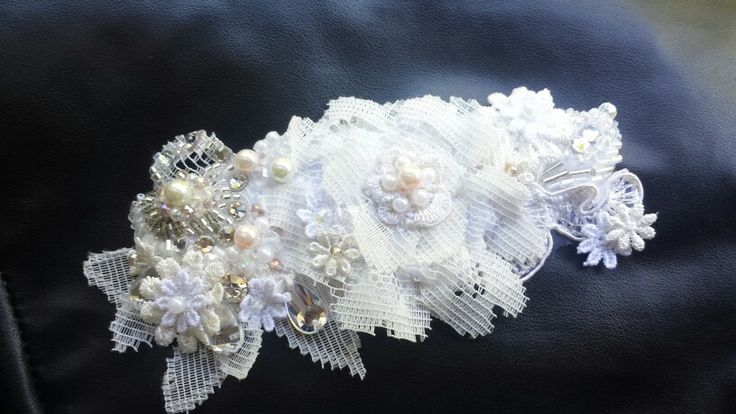 handmade bridal headpiece. . small flower details with a blush of pink pearls. ivory and white ♡