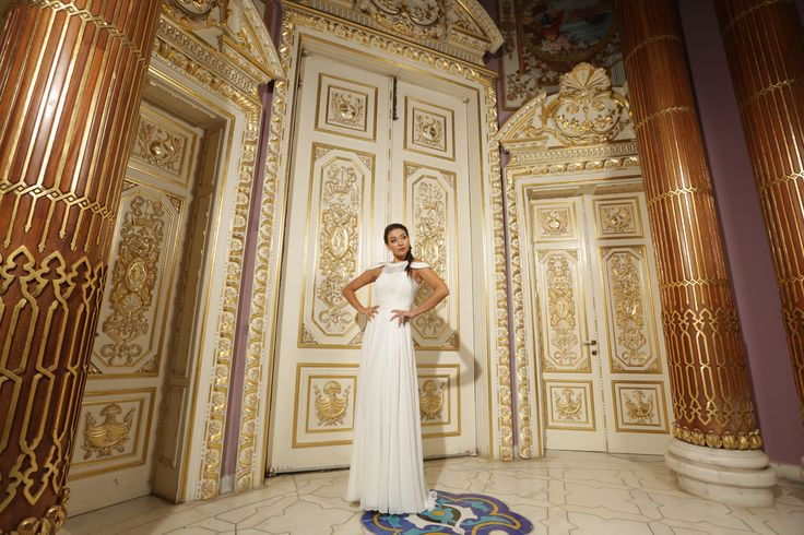 Beyaz nikah elbisesi, beyaz, mavi, kadife, kısa, uzun, abiye, nikah elbisesi, sünnet annesi elbisesi, white evening dresses, wedding dress, 2018 wedding dresses, fashion, new trends, style, celebrity  style, abiye, evening gown,