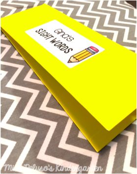 DIY pocket folders are the perfect way to store anything from sight word cards to math facts! Find the tutorial here.