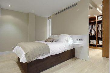 Scheidingswand tussen slaapkamer en walk-in closet