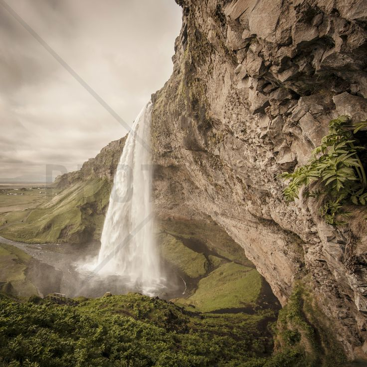 The Power of Seljalandsfoss - Fototapeter & Tapeter - Photowall