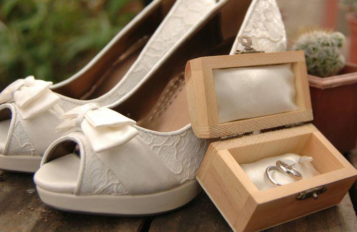 Wedding accessories Wedding bouquet Wedding shoes Wedding rings Bride Shoes Bride bouquet