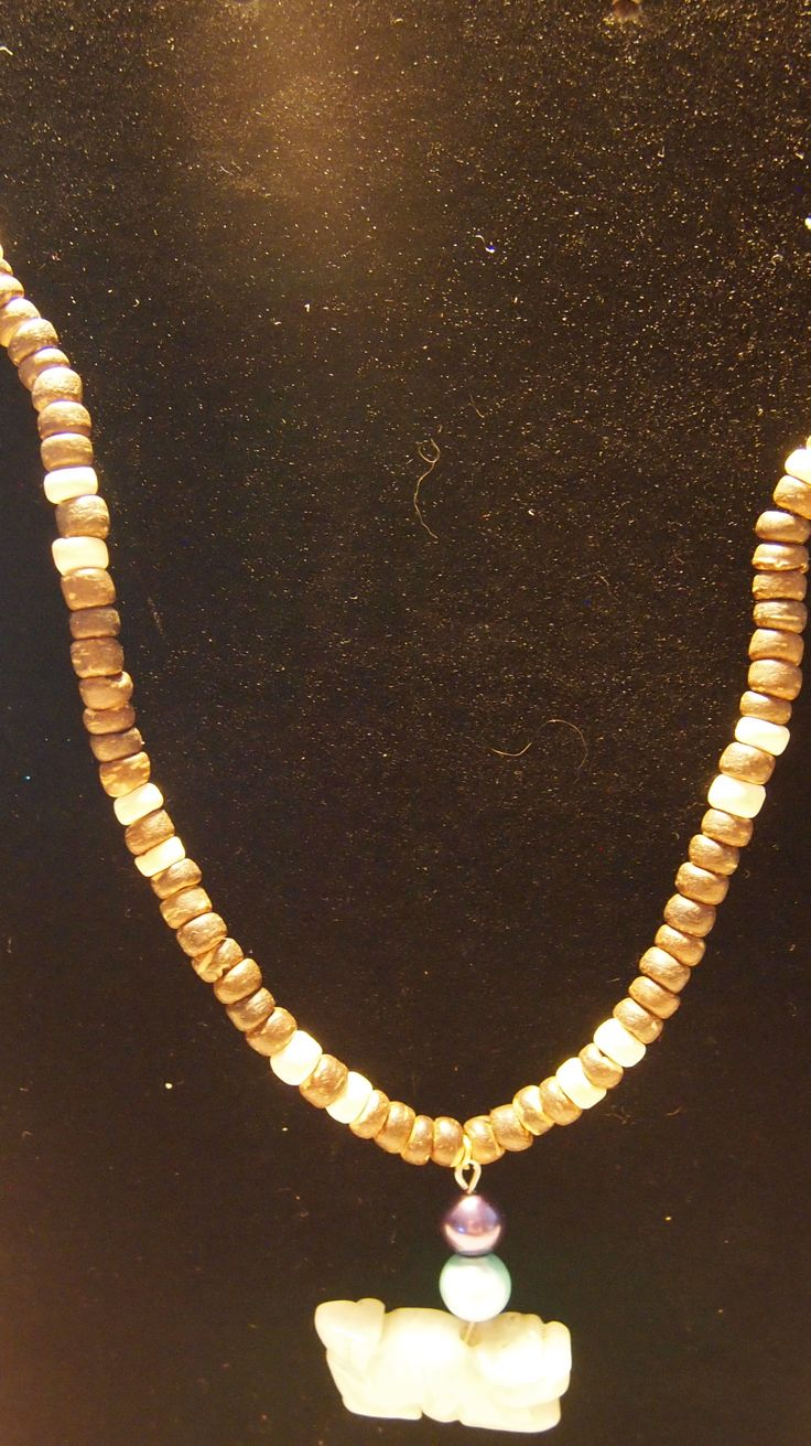 wood bead necklace with outer rim jade
