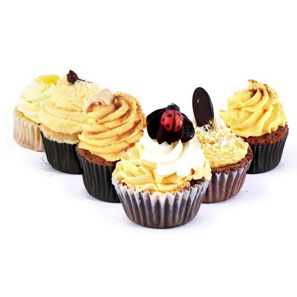 Yellow Submarine Cupcake Box. Surtido variado de deliciosas cupcakes amarillos. Encuentra este producto de 'The Cake's Garden' en Loikos.