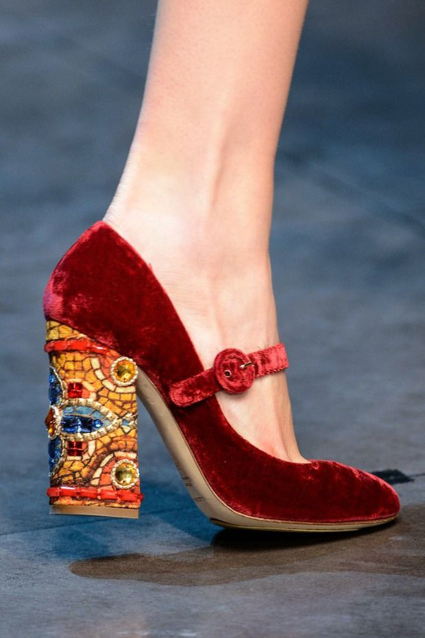 xx..tracy porter..poetic wanderlust - Dolce & Gabbana 2013 Fashion Week in Milan