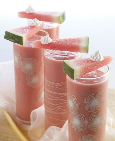 Watermelon Malibu Surf (watermelon, strawberries, coconut cream, and rum). food drinks summer