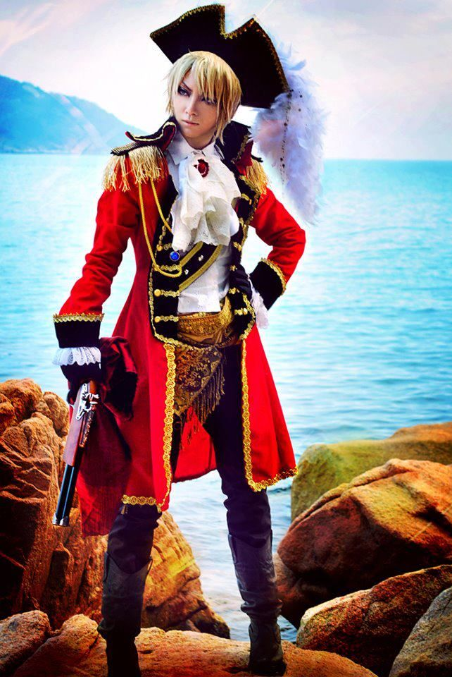 We do declare, this Axis Powers: Hetalia cosplay from deviantART.com's Metalguppy is ship-shape and Bristol fashion. What do you think of their take on the UK?