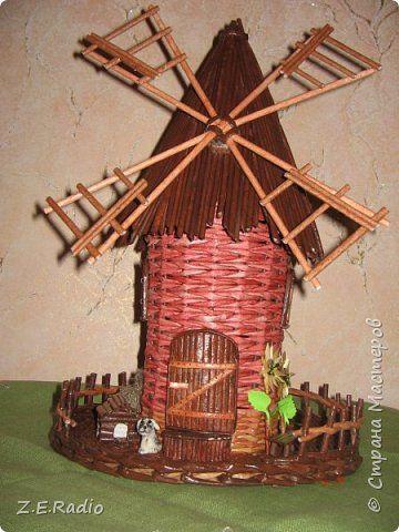 Поделка изделие Плетение Тринадцатая мельница и большая корзина Бумага газетная Трубочки бумажные фото 1