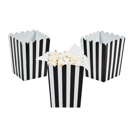 24 cajitas de carón con diseño de rayas negras, para palomitas, dulces, regalos, etc. De www.fiestafacil.com, $6.45 / Black open boxes for popcorn, candy, gifts - from www.fiestafacil.com